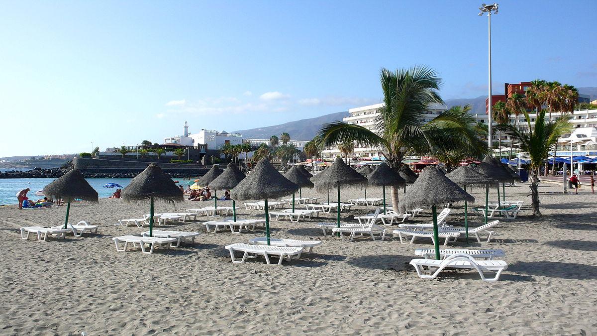 1200px-Playa_de_Torviscas